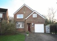 3 bed property in Seymour Gardens, Hanworth