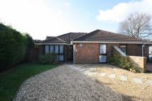 2 bed property in Masefield Road, Hampton