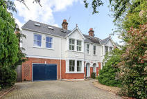 house for sale in The Avenue, Hampton
