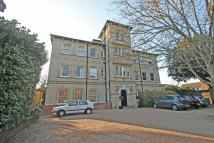 3 bed Flat to rent in Castle Way...