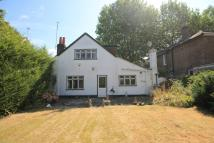 3 bedroom house in Church Street, Hampton...