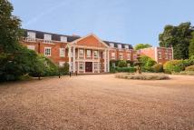 2 bed Flat for sale in Molesey Park Road...