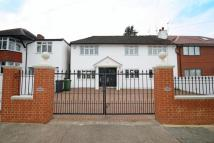 4 bedroom home to rent in Derwent Avenue...