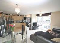 2 bed Flat in Victoria Avenue...