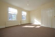 Flat in High Street, New Malden