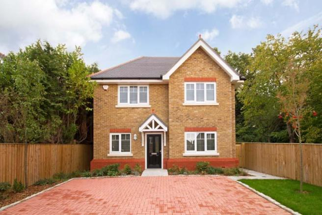 4 bedroom house for sale in oakhurst close kingston upon thames kt2