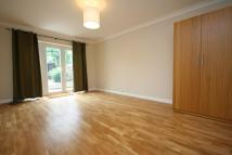 5 bedroom property in Chatham Road, Surrey