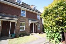 Flat to rent in Windmill Rise, Surrey