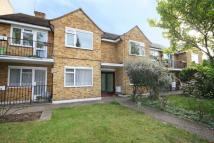 2 bed Flat for sale in Queens Road...
