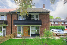 3 bed property for sale in Littlecote Close, London