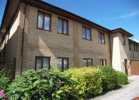 Flat in Cleeve Way, Roehampton