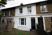 2 bedroom home in Ebor Cottages, London