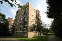Flat in Sylva Court, Putney Hill...