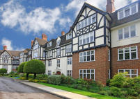 Flat in Wildcroft Manor, Putney...