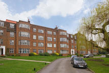 Flat for sale in Worcester House...