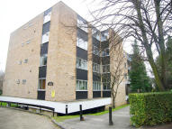 Flat in Putney Heath Lane, London