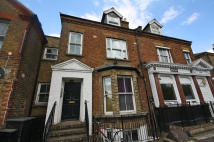 2 bedroom Flat in Roehampton Lane, Putney