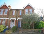 2 bed Flat for sale in Darell Road, Richmond