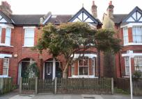 Flat for sale in Godstone Road...