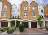 4 bed home in Herons Place...