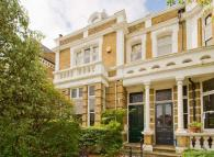 6 bedroom house in Sandycoombe Road...