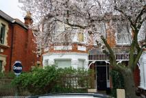 2 bed Flat in Cresswell Road...