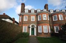 1 bedroom Flat in Cranes Drive, Surbiton