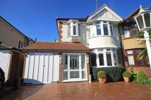 3 bedroom house in Bolton Close, Chessington