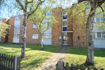 Flat to rent in Chandler Court, Tolworth