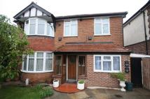 Flat in Tolworth Rise North...