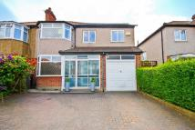 5 bed property in Lingfield Avenue...