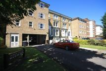 2 bedroom Flat in The Avenue, Surbiton