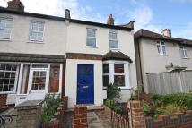2 bed property to rent in Thornhill Road, Surbiton