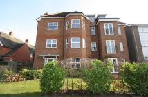 Flat to rent in Lovelace Gardens...