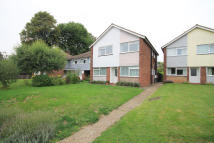 2 bed Flat to rent in Cranes Park, Surbiton