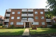 Flat for sale in Avenue Elmers, Surbiton