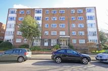 2 bed Flat to rent in Adelaide Road...