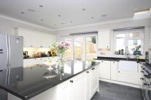 4 bedroom Detached home in Villiers Avenue, Surbiton