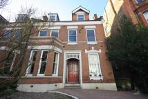 Flat for sale in Claremont Gardens...