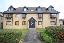Flat for sale in Bond Road, Surbiton