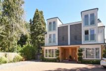 4 bed semi detached house in Couchmore Avenue, Esher