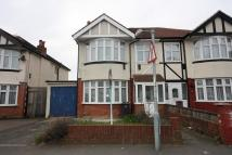 3 bed property to rent in Tolworth Rise North...