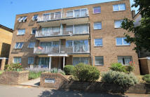 2 bedroom Flat in Grove Road, Surbiton