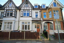 Flat to rent in Guilford Avenue, Surbiton