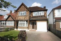 4 bedroom home in Manor Drive, Surbiton