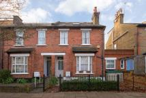 4 bedroom property in Vicarage Road, Teddington