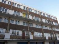 Flat to rent in Crieff Court, Teddington