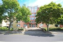 2 bedroom Flat in Fairmile House...