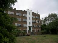 Flat to rent in Park Court, Hampton Wick...
