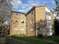 1 bedroom Flat to rent in Century Court, Teddington